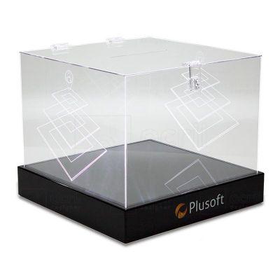 Urna luminosa Plusoft, feito em acrílico cristal, com impressão digital, colagem especial, gravação e recorte a laser com sistema de LED embutido.