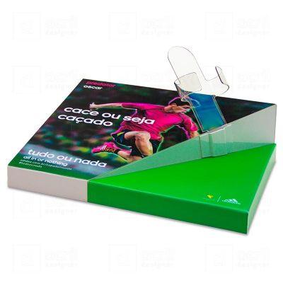 Display expositor, desenvolvido exclusivamente para Adidas, feito em acrílico, com impressão digital...