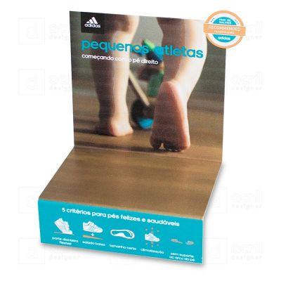 Display expositor para tênis, feito em acrílico PS, com impressão digital, e dobra. Desenvolva o seu...