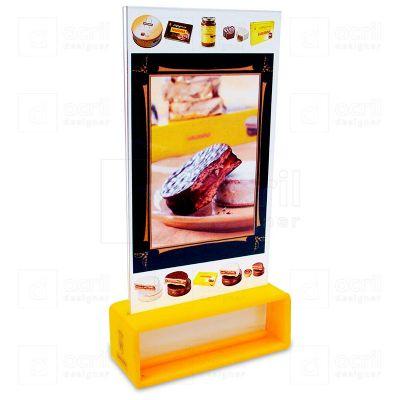 Display para comunicação visual Havanna, feito em acrílico cristal e amarelo, com impressão digital,...