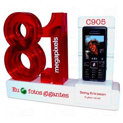 Display expositor personalizado para Sony Ericsson, feito em acrílico, com impressão digital, corte a laser e colagem especial. Desenvolva o seu proje...
