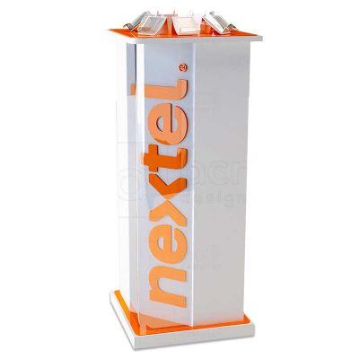 Display de chão expositor personalizado para Nextel, utilizado em PDV, feito em acrílico, PETG e MDF...