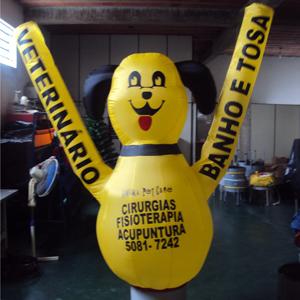 Boneco infl�vel com logotipo personalizado. Sua marca sempre em evid�ncia!