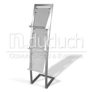 Porta folder curvo com estrutura de alumínio e acrílico. Medidas: 0,40x1,36m. Divulgue seus produtos e serviços de maneira criativa!